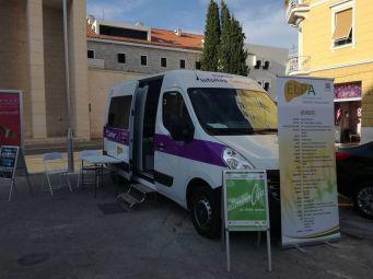 Mobilni InfoHep Centar tijekom ULTRA EUROPE festivala u Splitu
